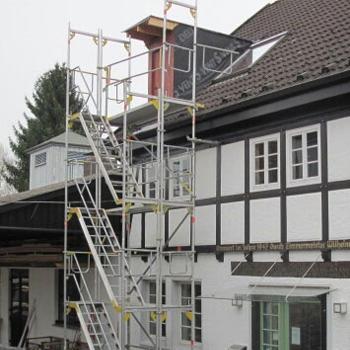 Podestreppenturm als Zugang für den Dachgeschoßausbau