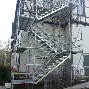 Flucht-Treppenturm für ein Obergeschoß